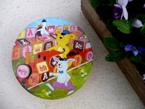 Playbox biscuit tin 2